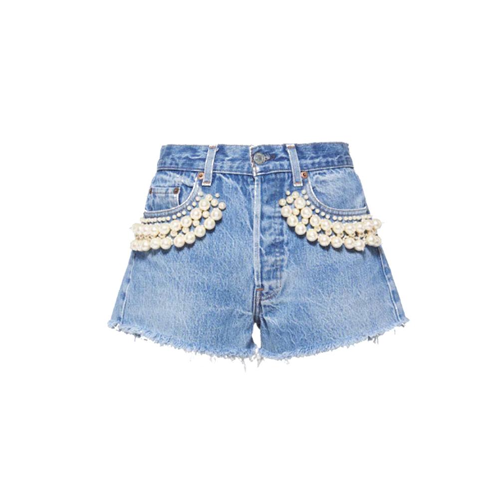 Pantalón corto de la colección Levi's X Miu Miu.