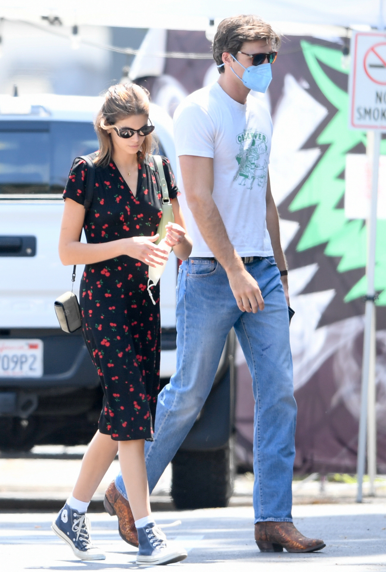 Kaia Gerber con su novio Jacob Elordi en Los Angeles.