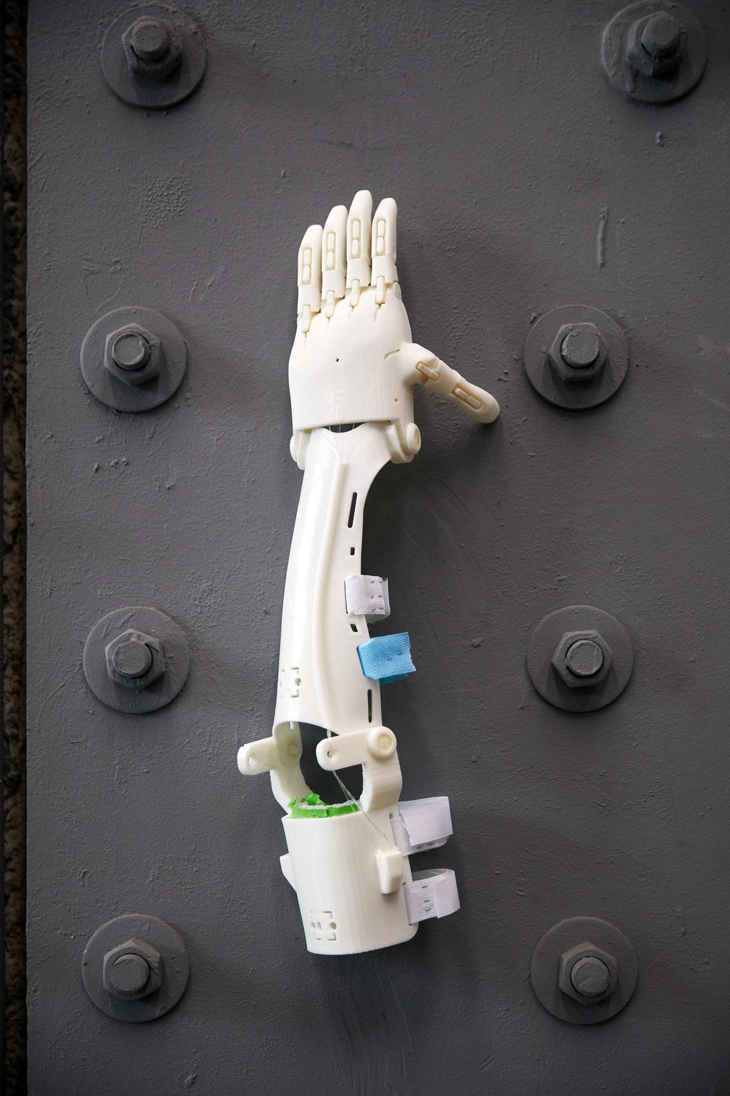 Un brazo realizado con una impresora 3D.