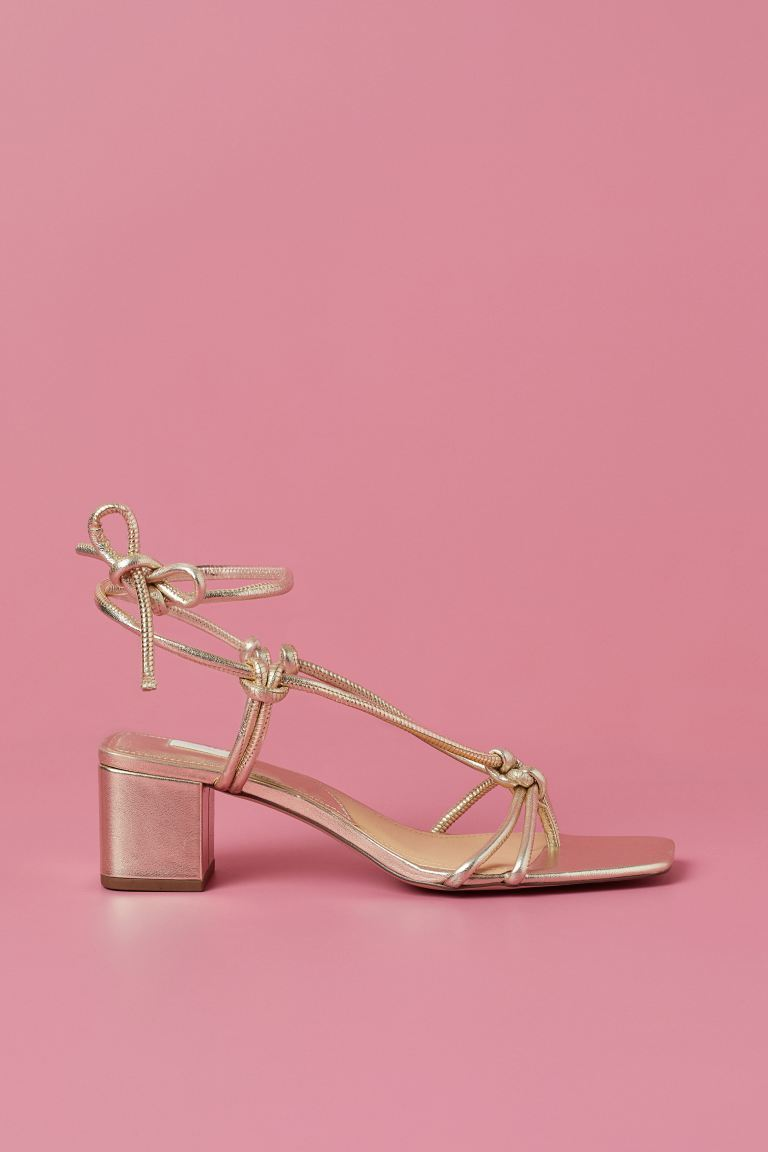 Sandalias de H&M.