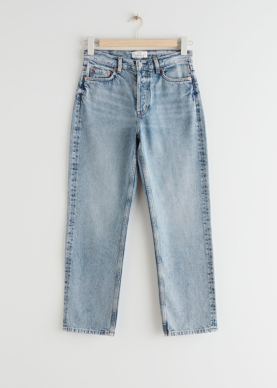 Los vaqueros que llevó Kate Middleton son los Keeper Cut Jeans, de &Other Sotires (69 euros).