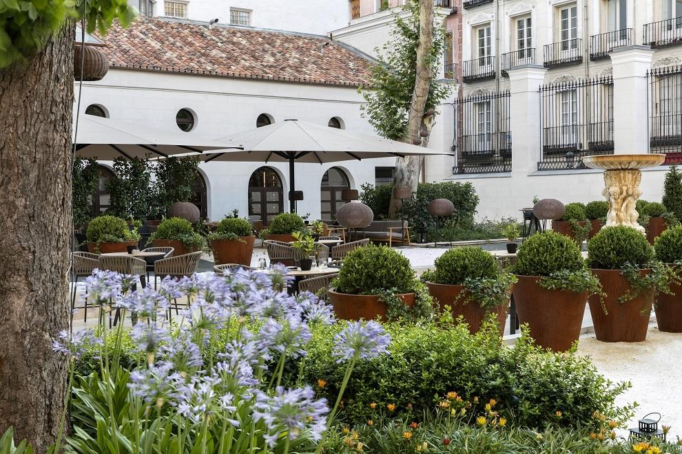 Jardín del Hotel Gran Meliá Palacio de los Duques.