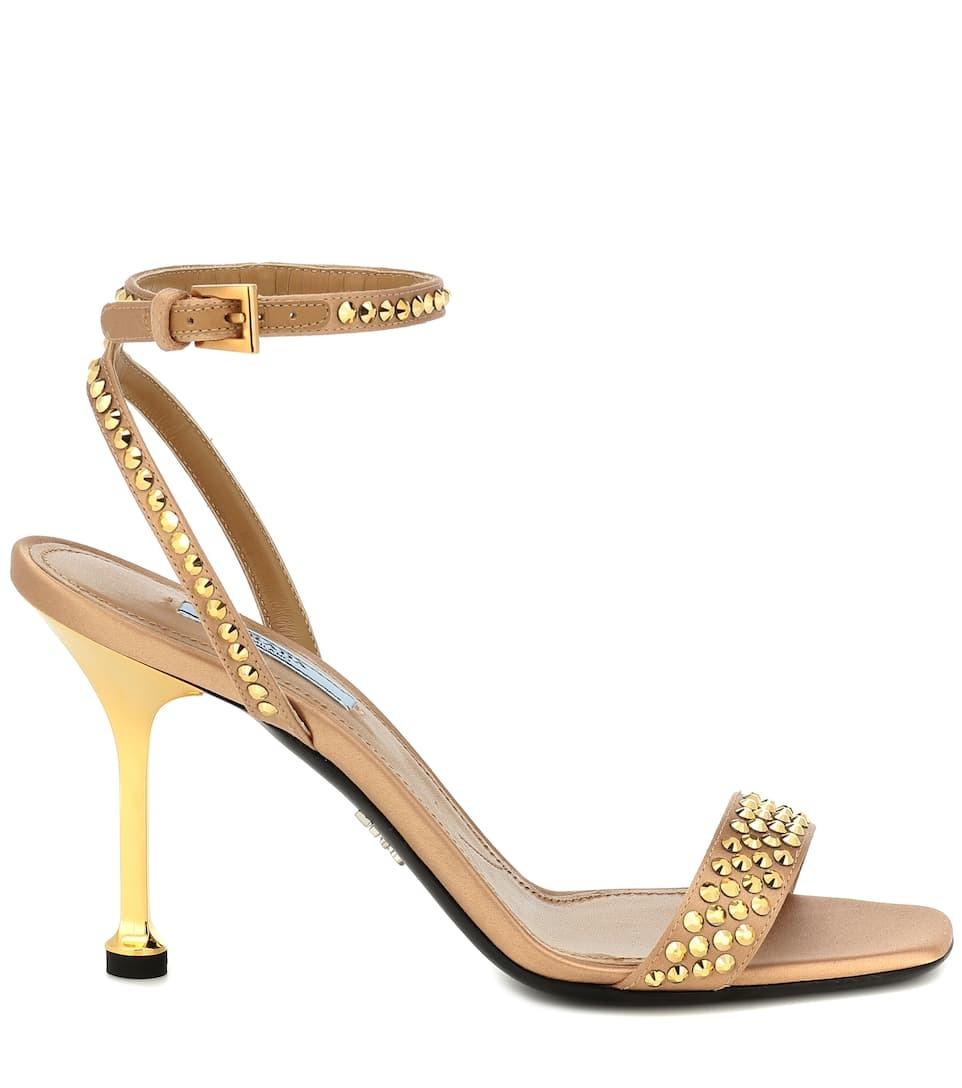 Sandalia de Prada.
