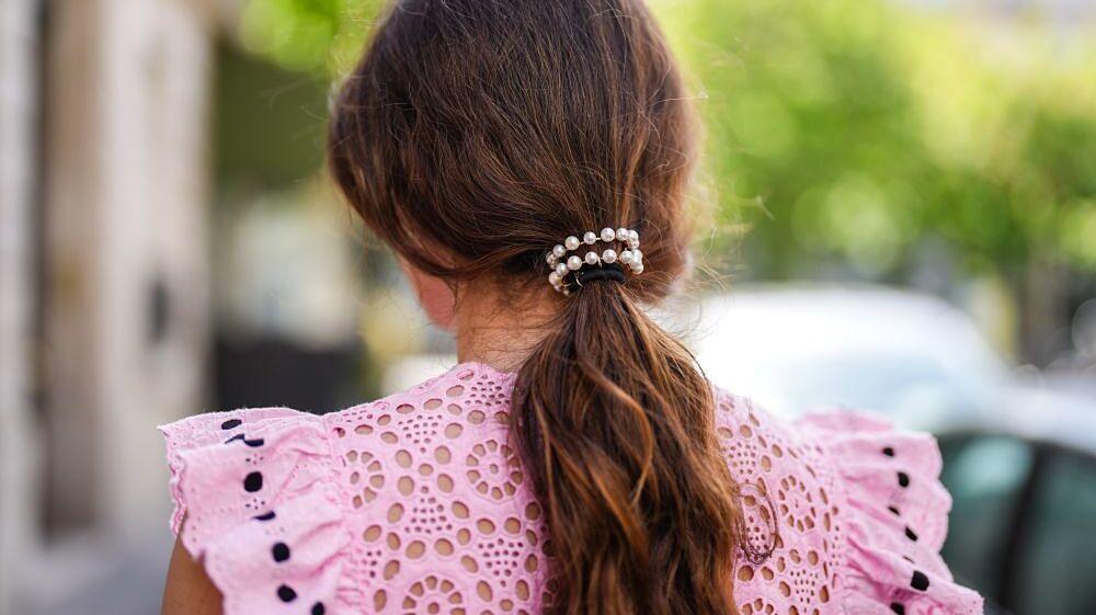 Atenta a nuestras propuestas infalibles para pelo largo o pelo corto, liso o rizado que querrás probar seguro. Desde recogidos románticos, más sofisticados, con accesorios...