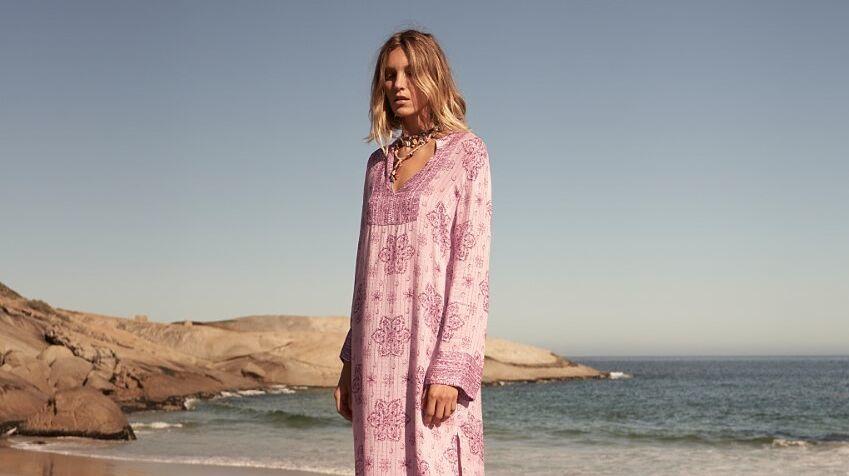 12 vestidos de Zara (por menos de 30 euros) que merece la pena incorporar a nuestro armario de verano