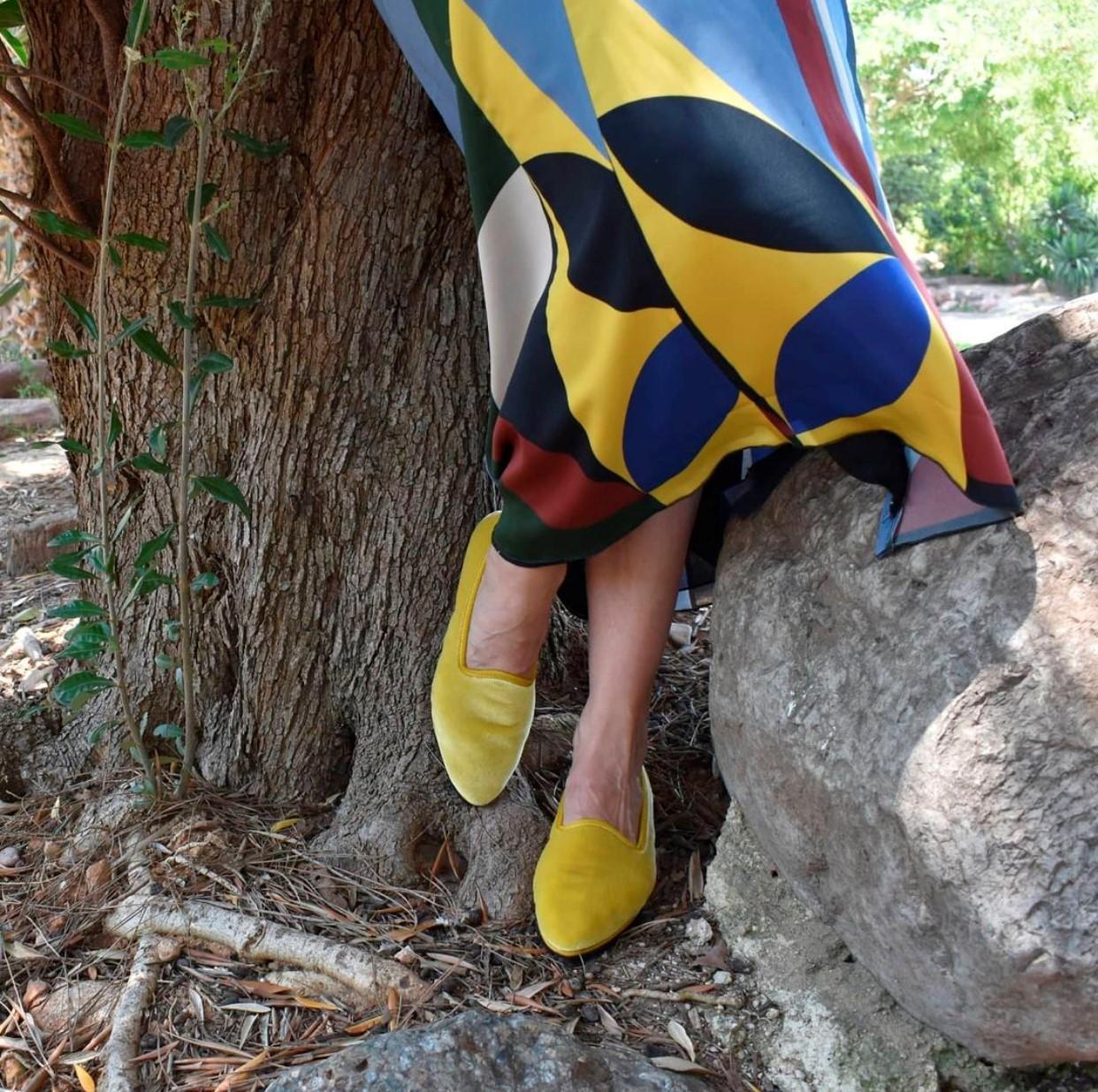 En color mostaza con suela de neumático reciclado, de Mun Shoes