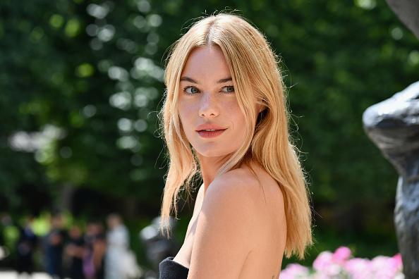 Camile Rowe en el desfile de  Christian Dior  - Paris Fashion Week - Haute Couture Fall/Winter 2018-2019