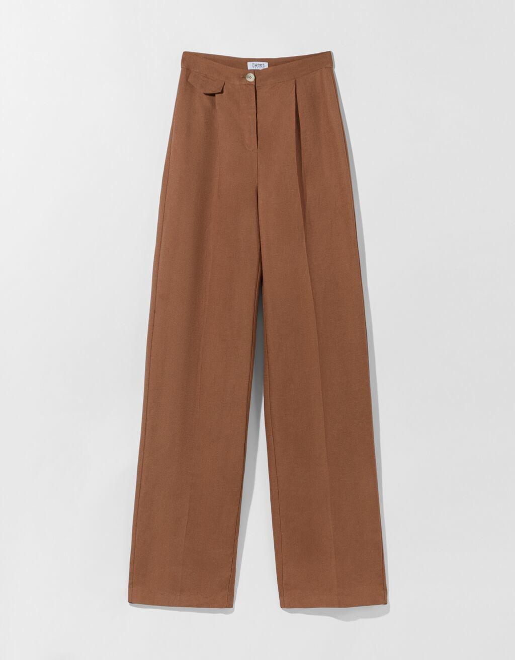 Pantalón de pata ancha en color marrón chocolate