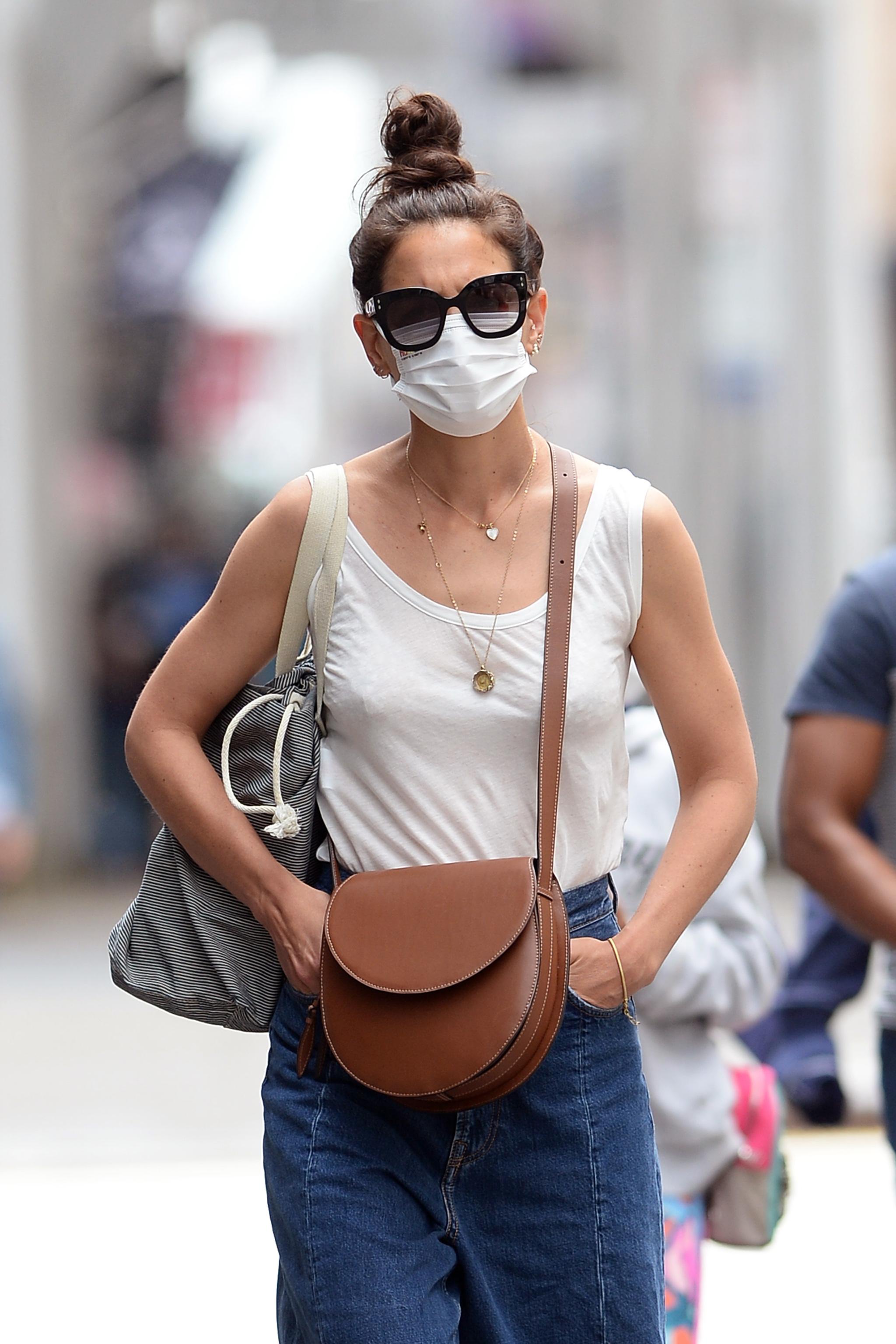 Katie Holmes paseando por NY