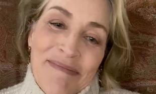 Con ojeras, canas, arrugas... la actriz no tiene inconveniente en...