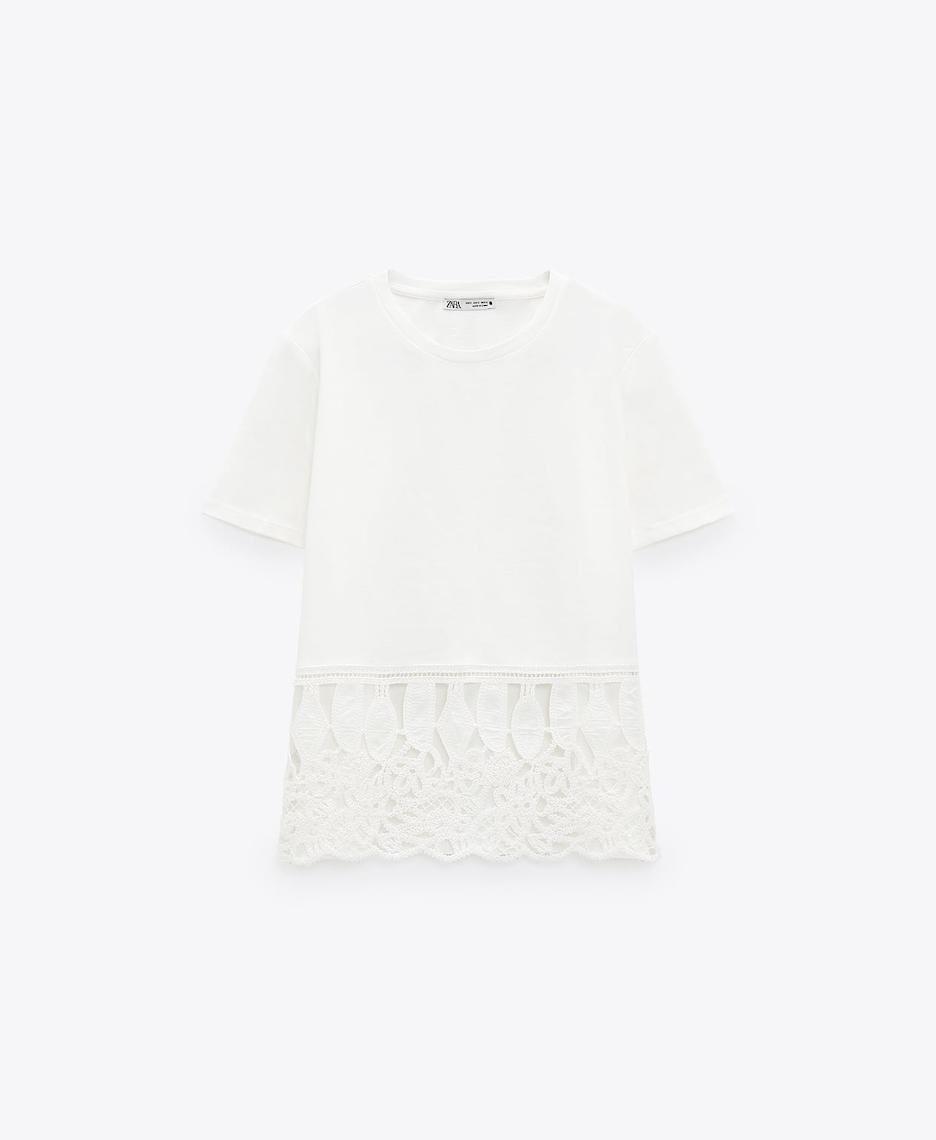 Camiseta combinada encaje de Zara