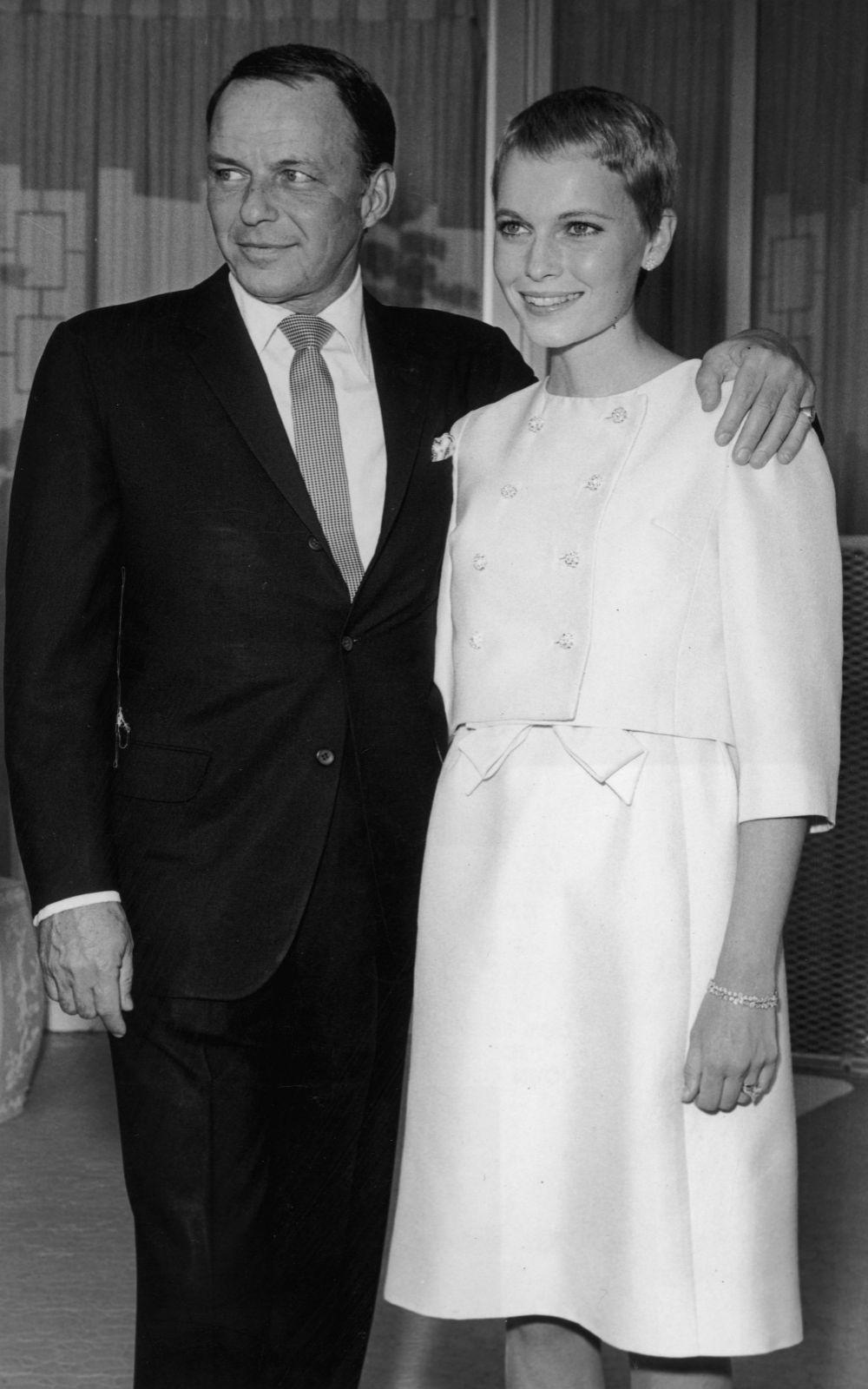 Boda entre Mia Farrow y Frank Sinatra