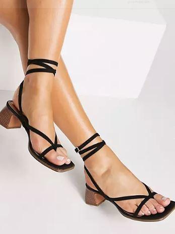 Sandalias con tira en el tobillo de Asos Design