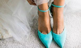 Da un toque de color con los zapatos