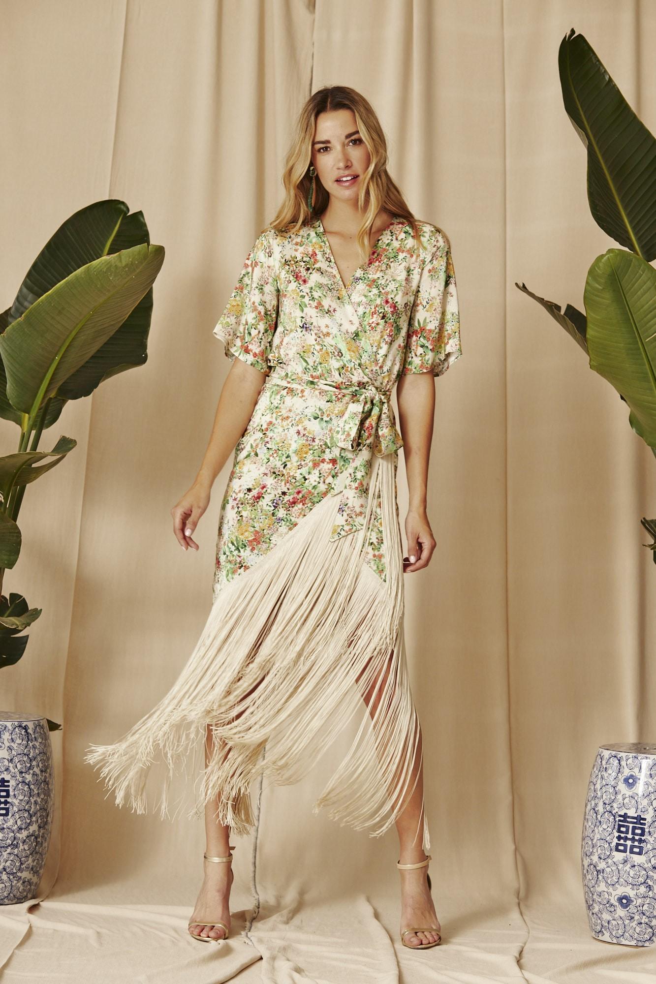 Vestido de flores con flecos, de Coosy.