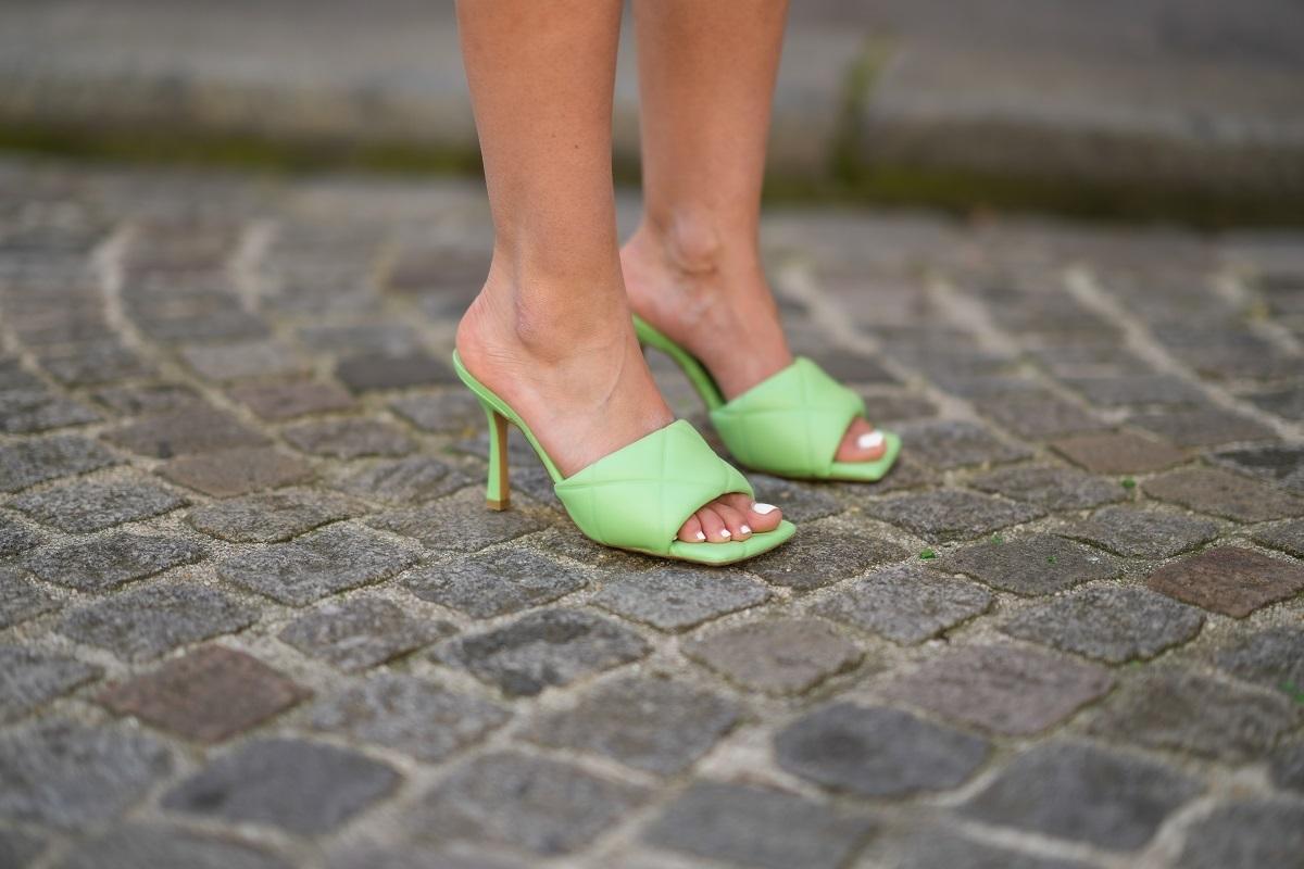 Las sandalias mules.