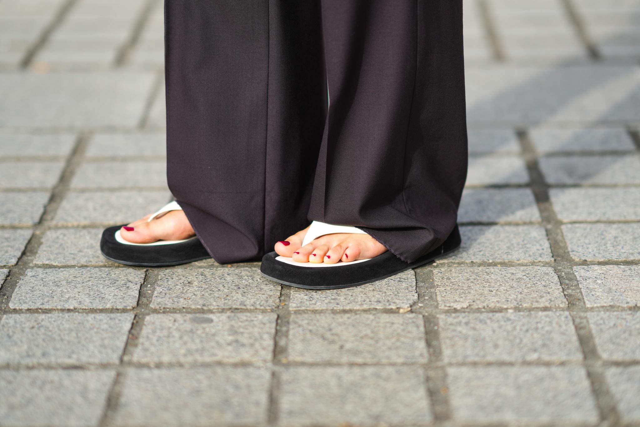 Se llevan las sandalias que triunfaron en los 90.