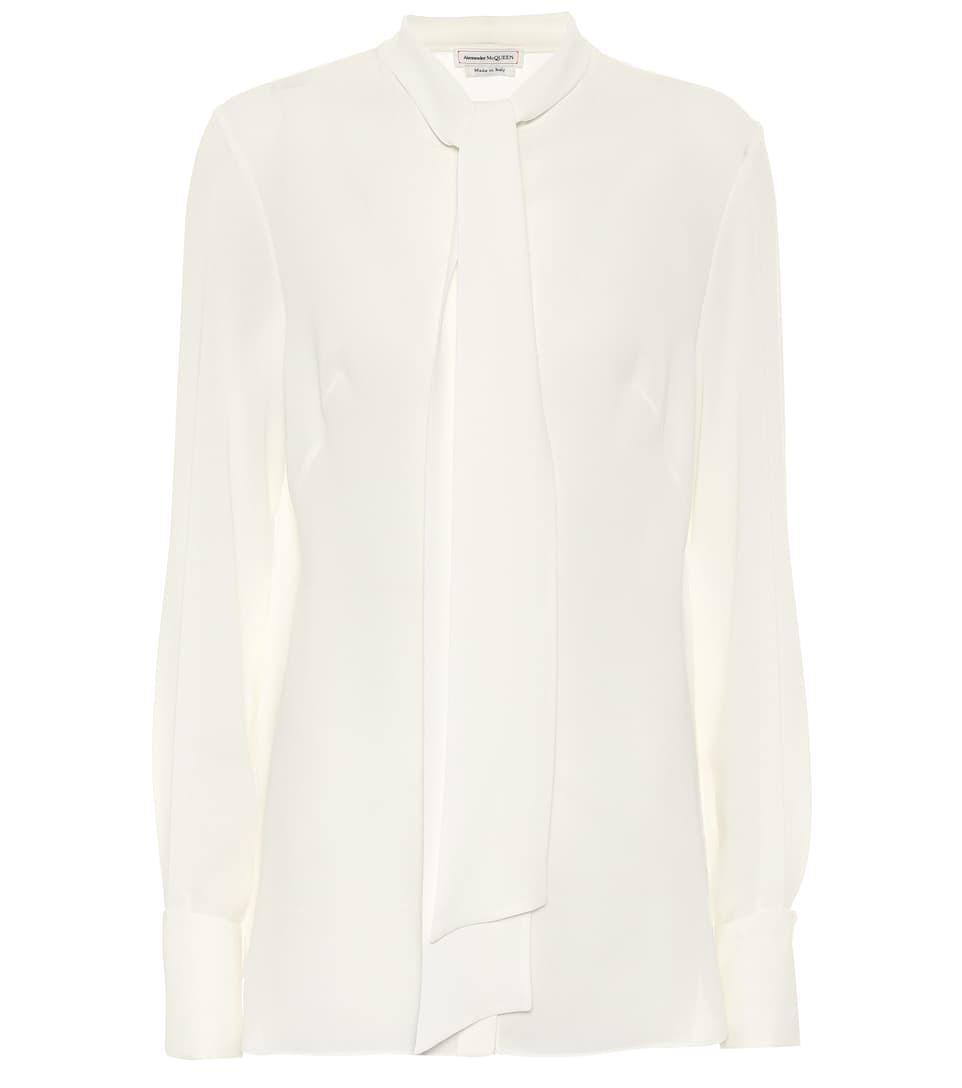 Camisa blanca, de Alexander McQueen.