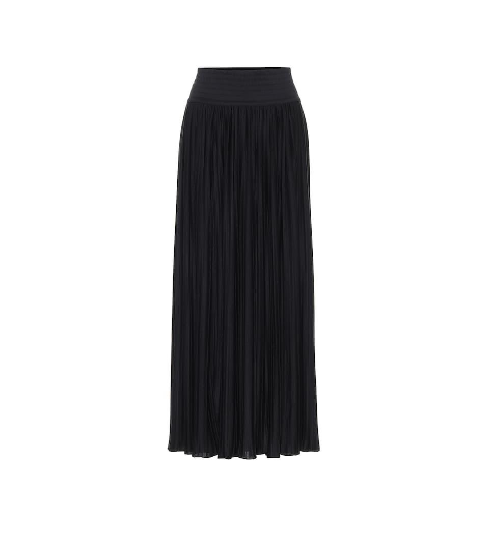 Falda negra, de Balmain.