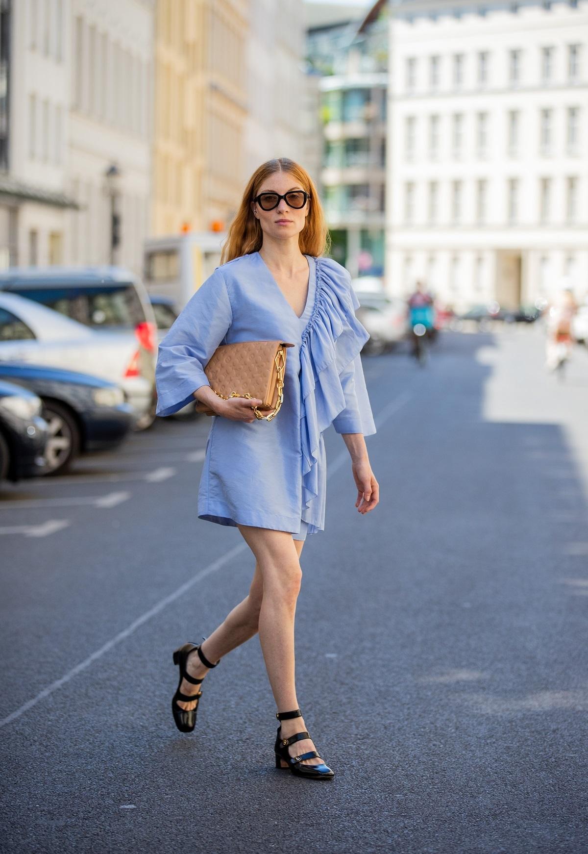 Los vestidos mini son la opción de las más atrevidas.
