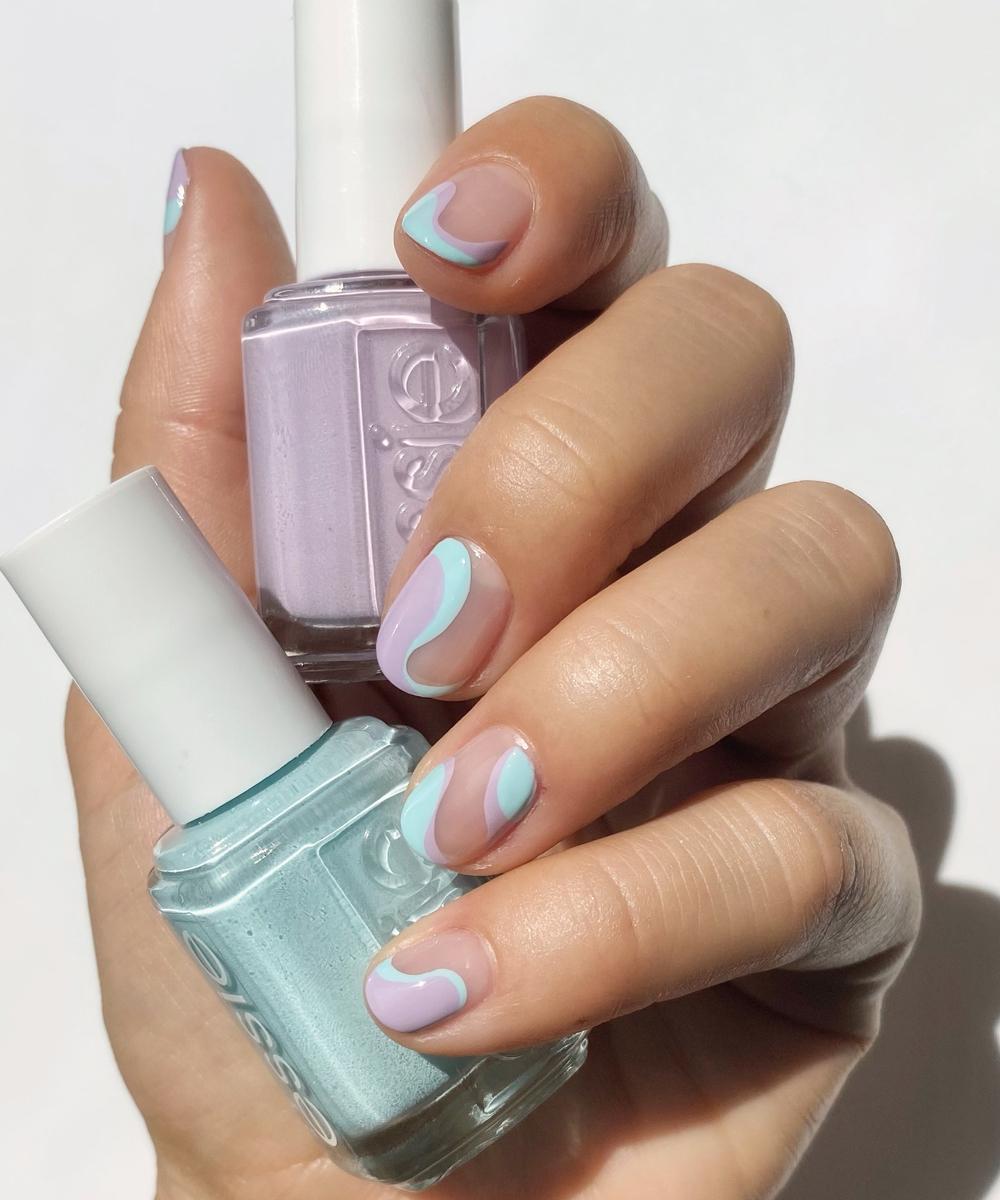 La manicura retro ondulada que proponen los expertos en uñas de Essie.