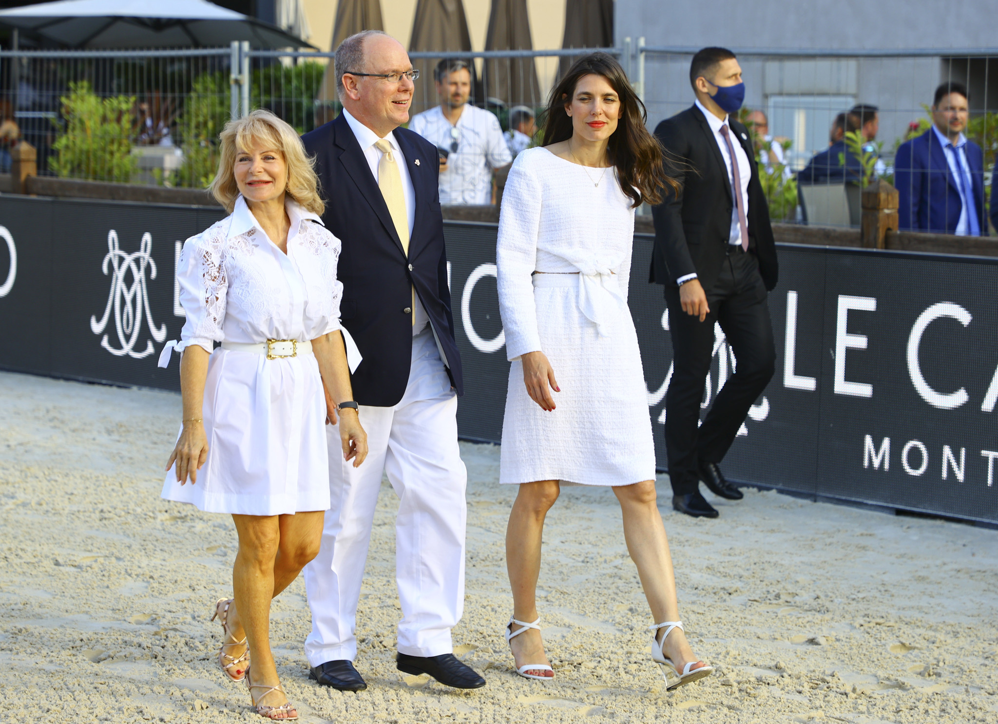 Carlota Casiraghi con total look de Chanel.