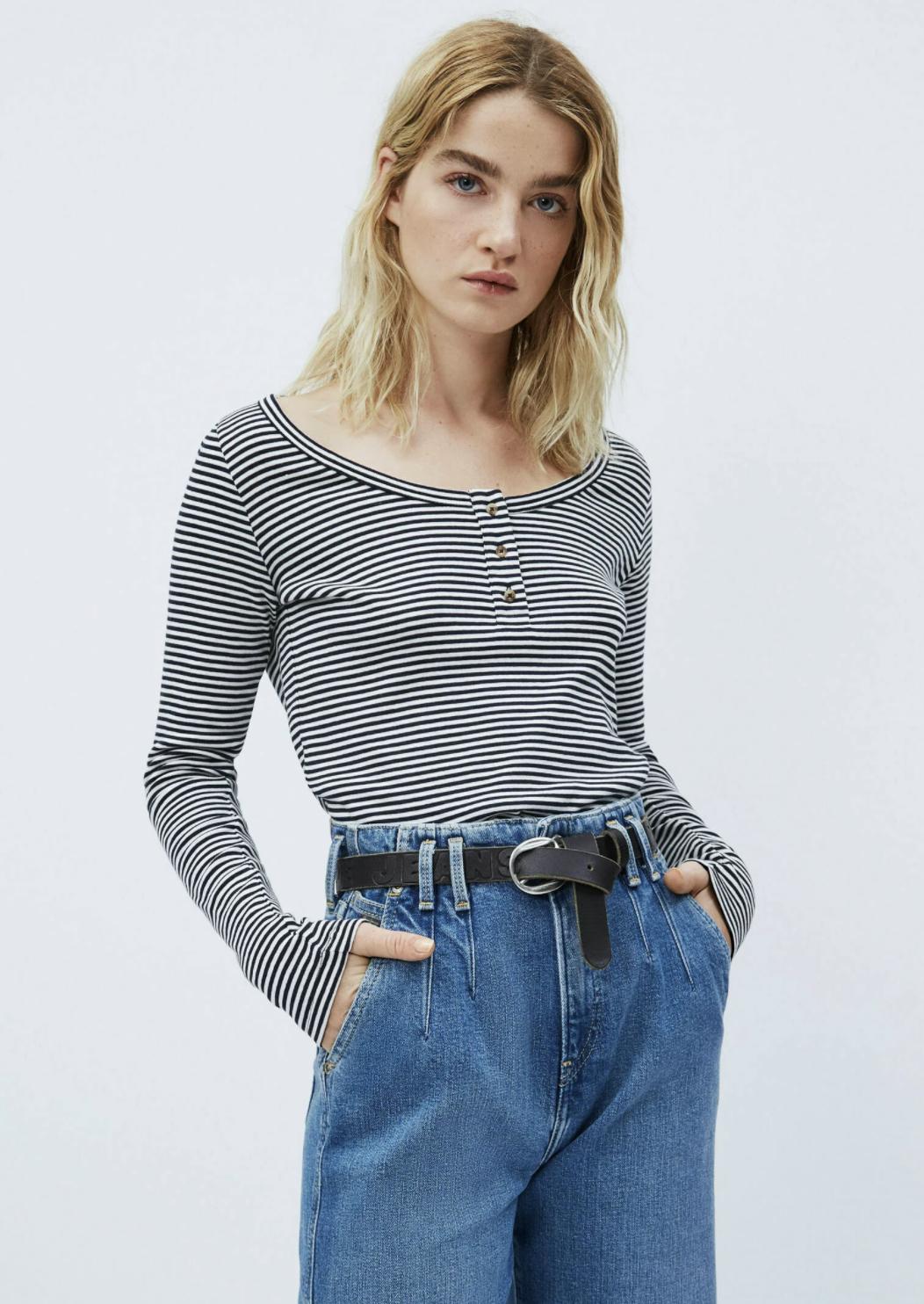 Camiseta escotada, de Pepe Jeans