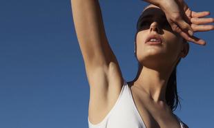 Los desodorantes con alcohol no se pueden aplicar para ir a la playa.
