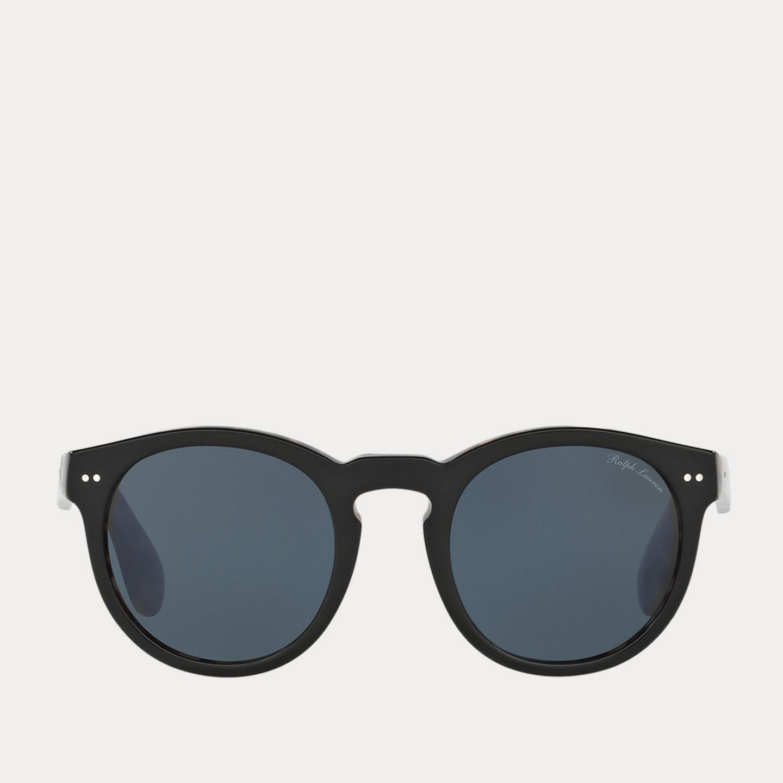 Las gafas de sol. El modelo Panto de inspiración vintage. Ralph Lauren Collection (159 euros).
