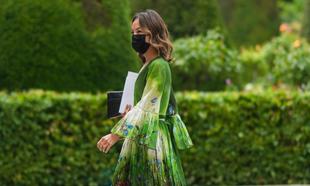 Los vestidos más bonitos vistos en el street style de París.
