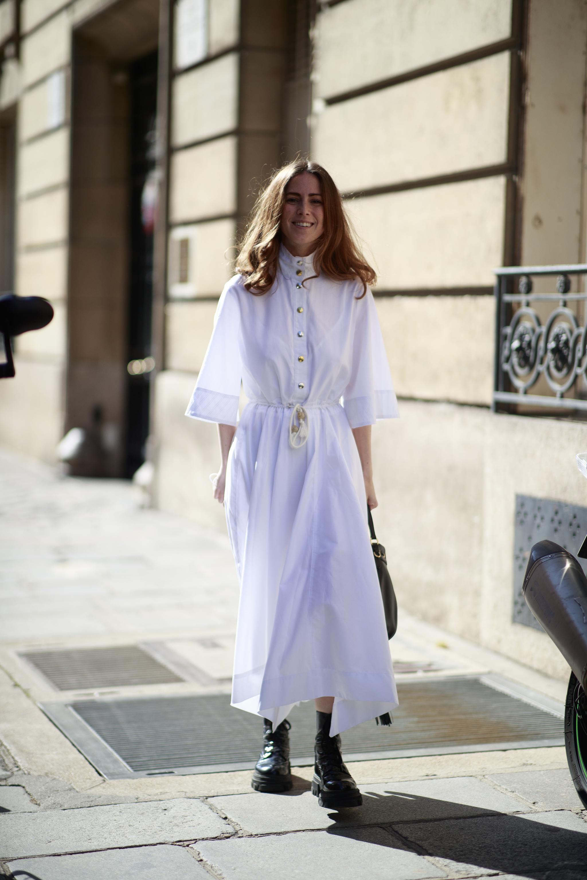 El vestido blanco siempre es una opción infalible.