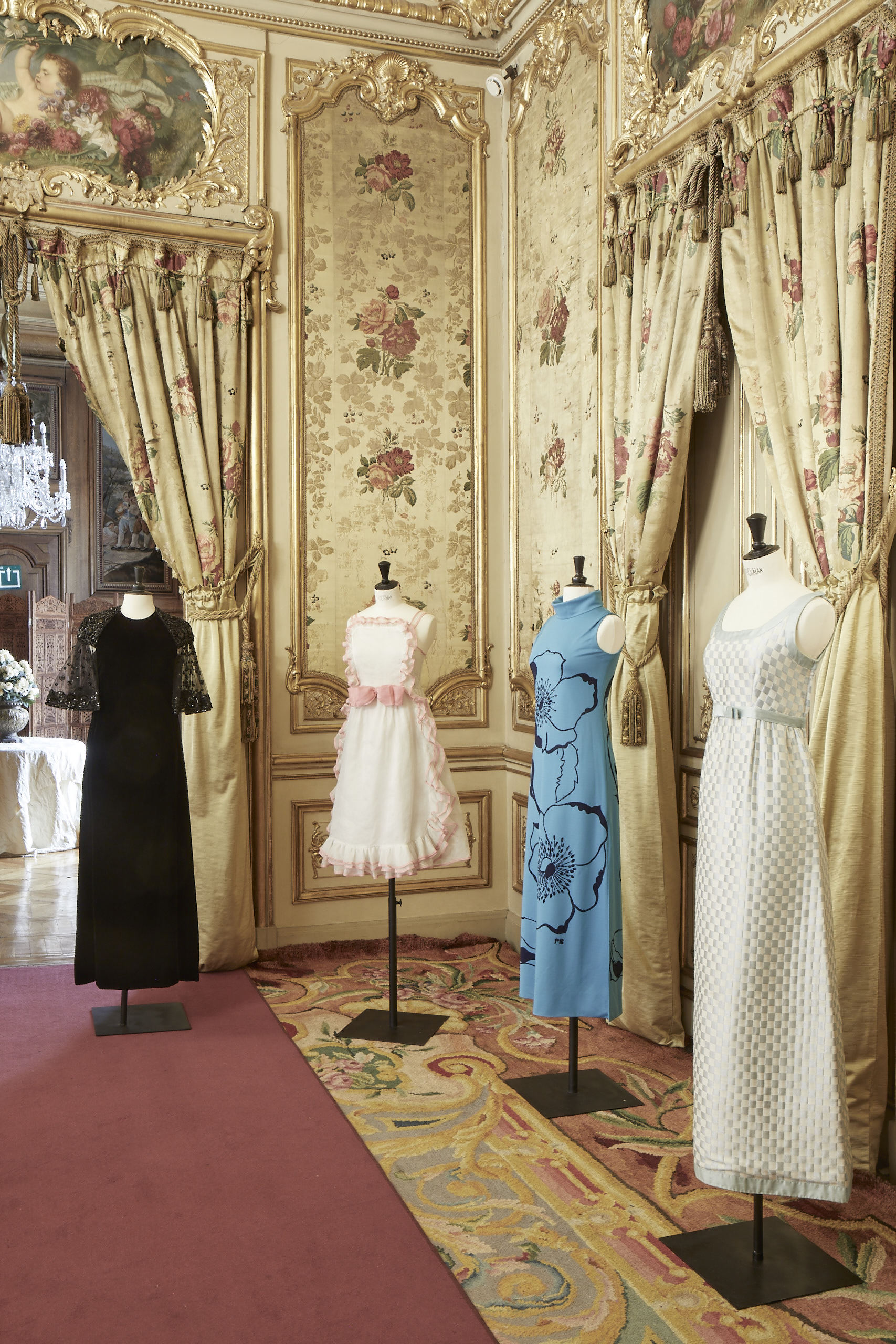 Vestidos de Pertegaz, Elio Berhanyer, Pedro Rovira y Pedro Rodríguez, de la colección privada de Lorenzo Caprile.