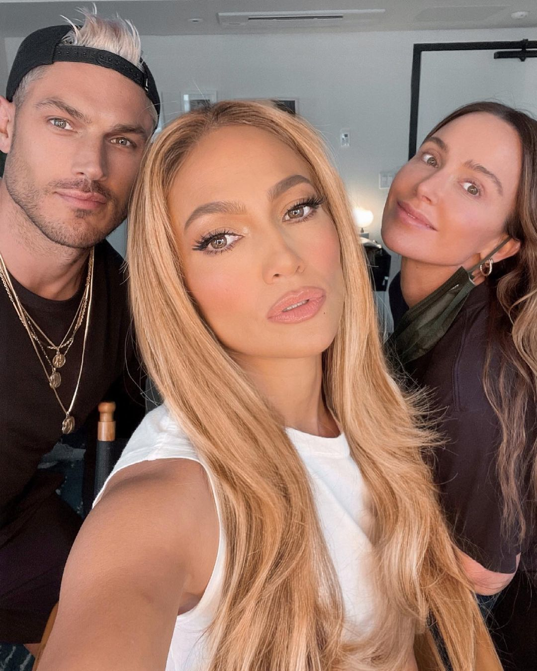 Jennifer Lopez, with her new golden bronze blonde that everyone talks about.