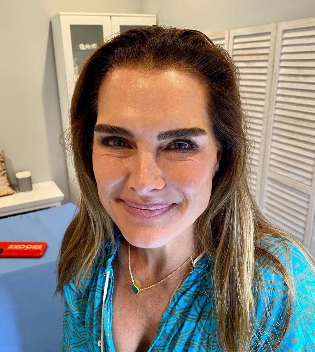 Brooke Shields sabe cómo lucir unas cejas espectaculares siempre.