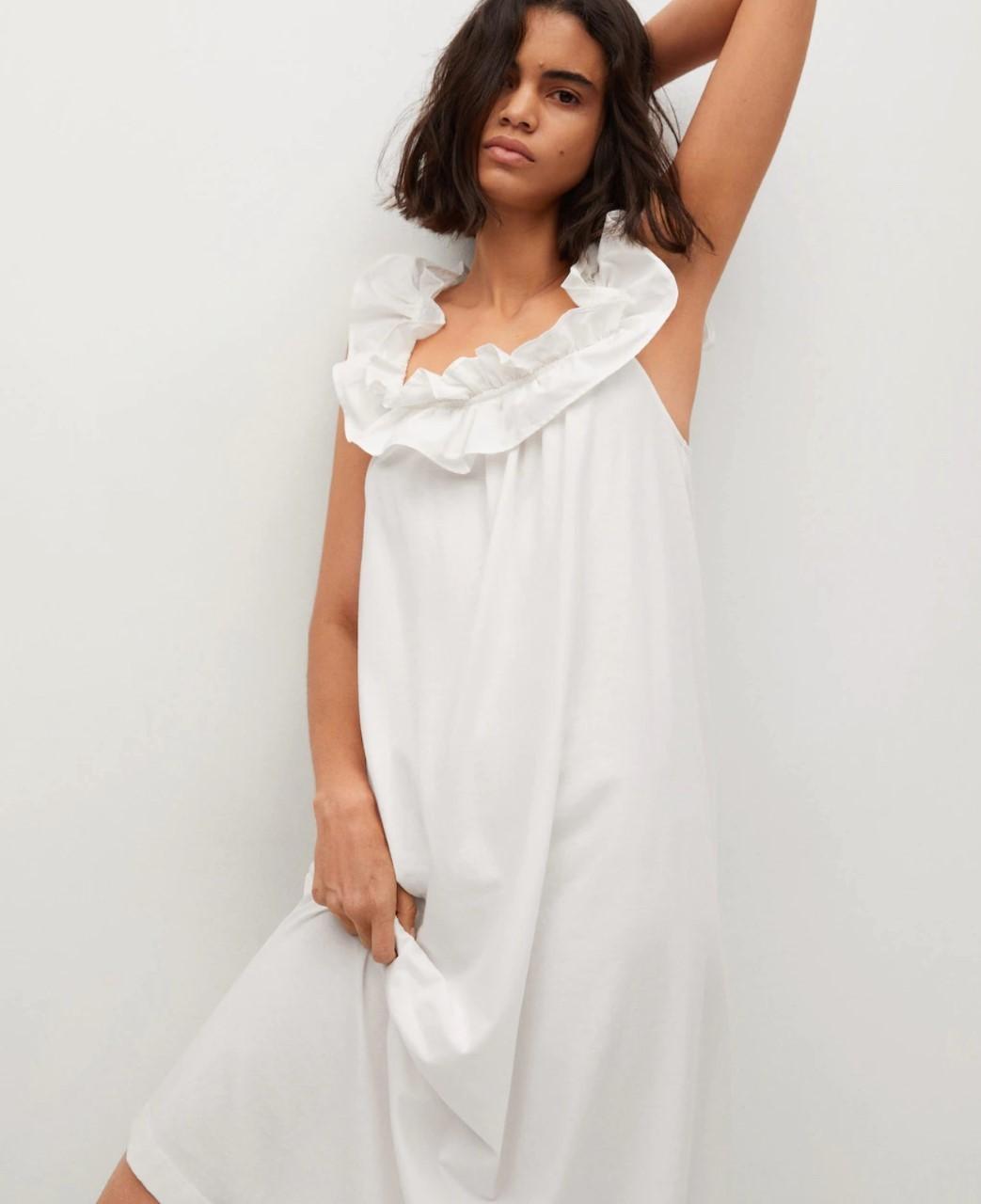 El vestido blanco de Mango.
