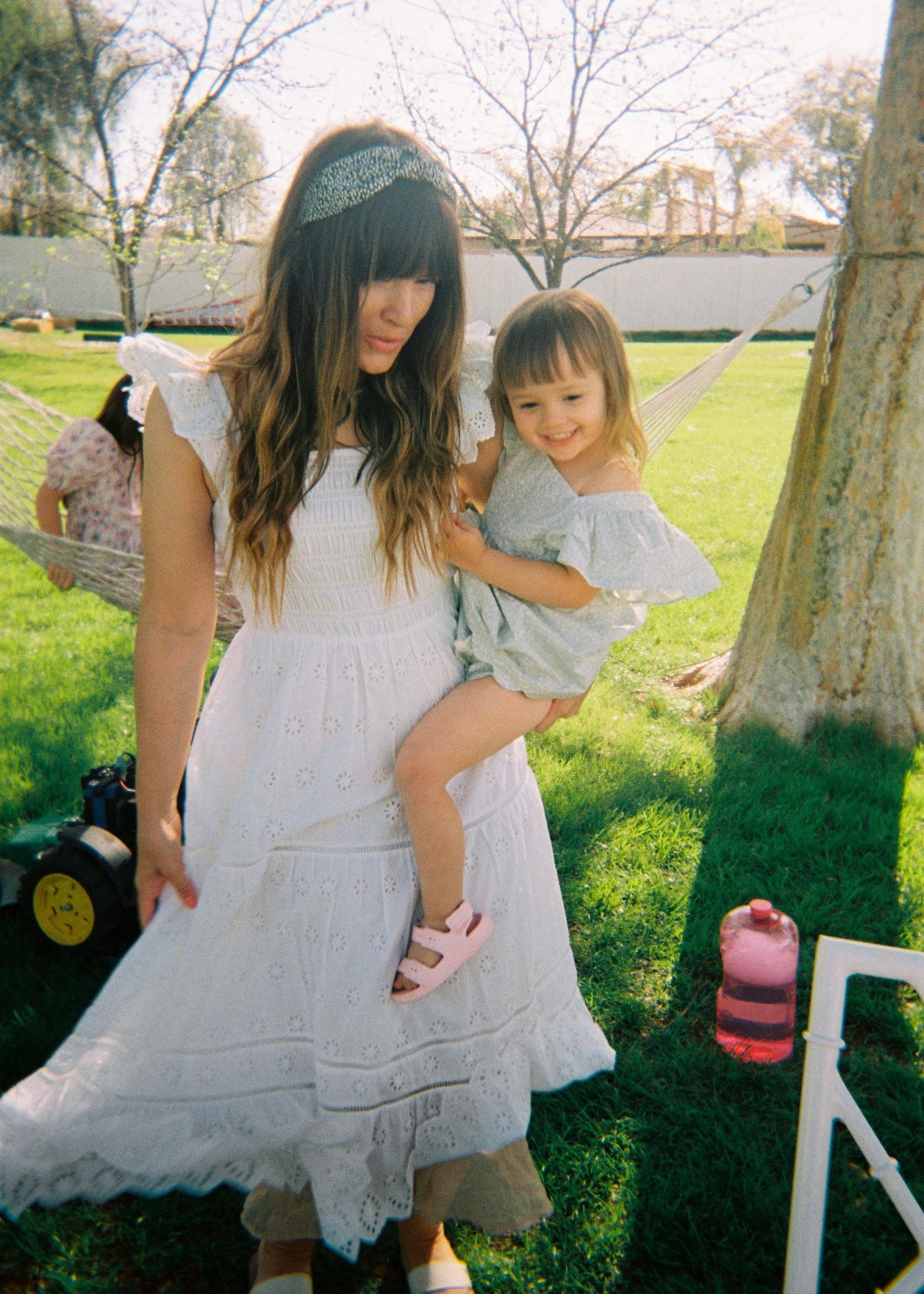 El vestido blanco de & Other Stories.