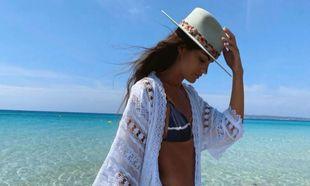 La influencer Marta Lozano con bikini de All That She Loves.