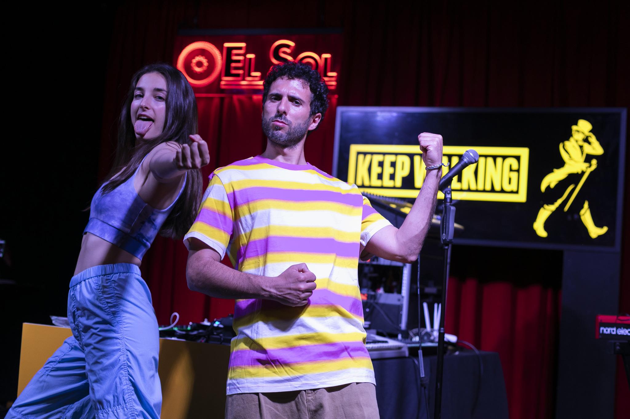 Sandra Delaporte y Sergio Salvi en el concierto de la Sala El Sol gracias a la iniciativa Keep Walking Together de Johnnie Walker.