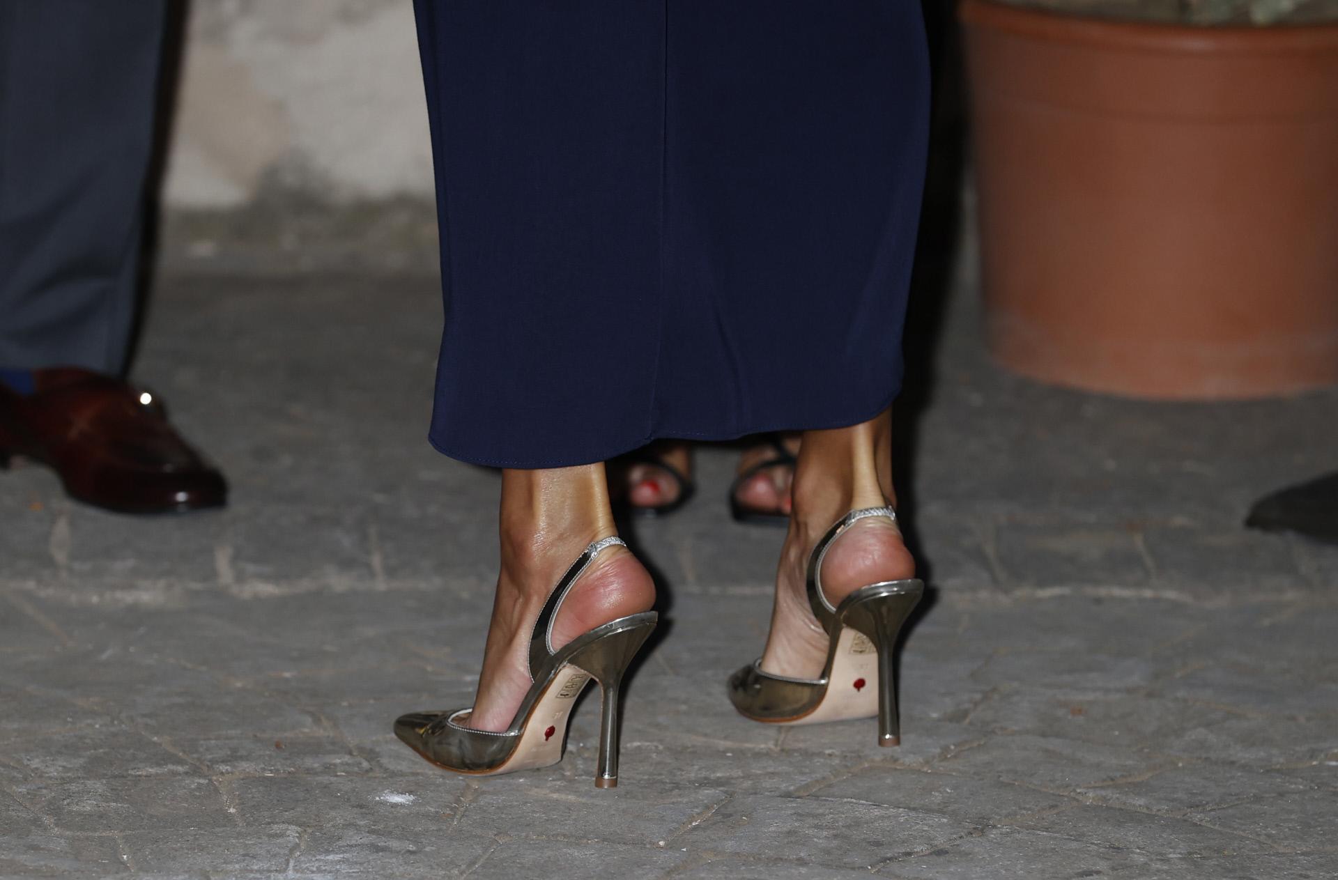 Zapatos destalonados Reina Letizia de Magrit