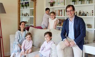 El doctor Jesús Corral y su familia.