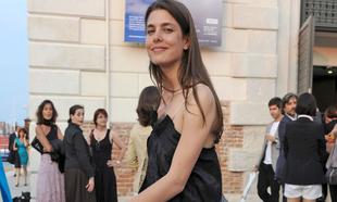 Los vestidos negros más bonitos de las celebrities (más allá de la...