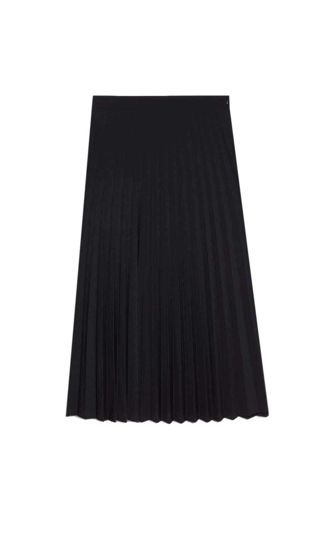 Falda negra plisada básica