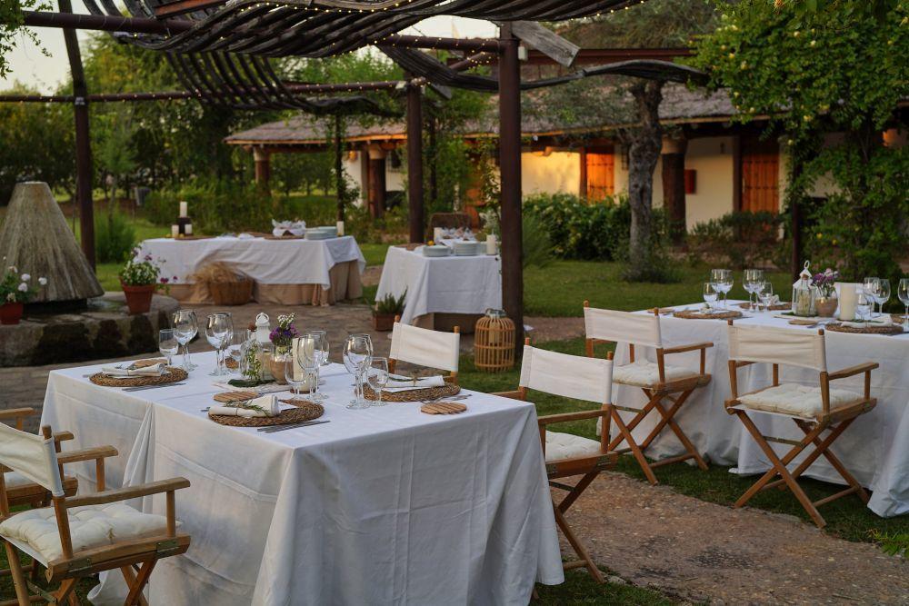 Cena en los jardines del Hotel Ardea Purpúrea.