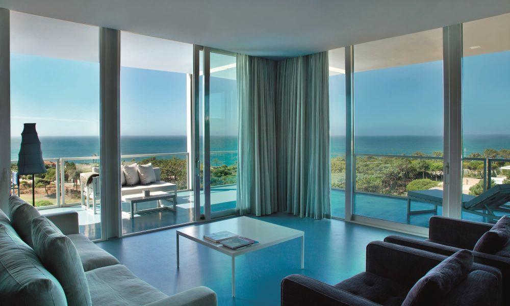 Todas las habitaciones del hotel The Oitavos tienen vistas al mar y la más pequeña tiene 64 metros cuadrados.