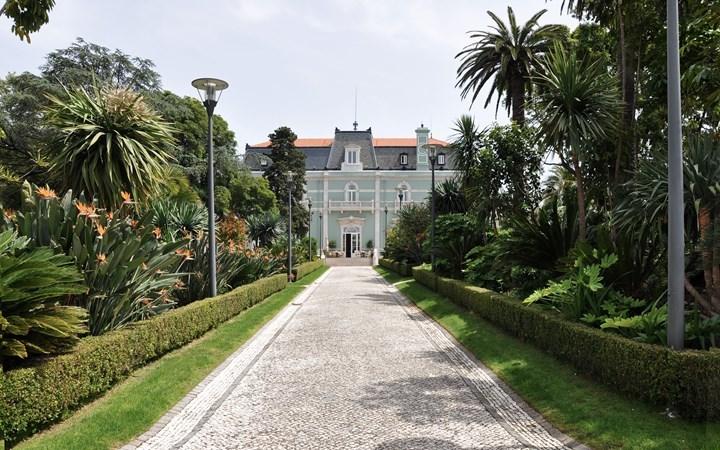 Los jardines del Hotel Pestana Palace, con especies de todo el mundo, son uno de sus grandes atractivos.