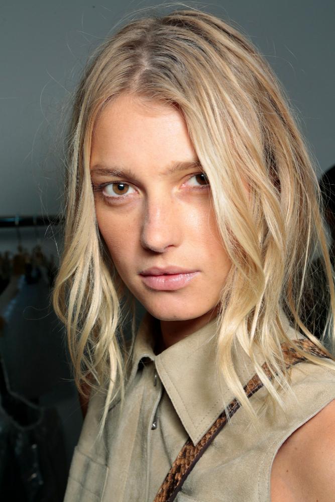 Las capas favorecen a las chicas con poco pelo o cabello fino.