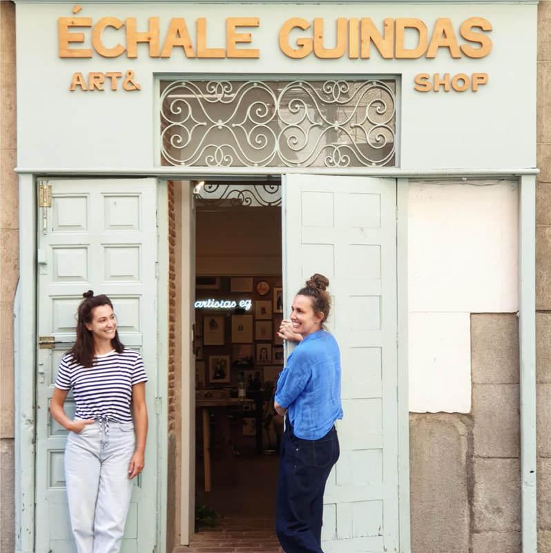 Fachada de la galería de arte Échale Guindas en la calle Pelayo 47 de Madrid.