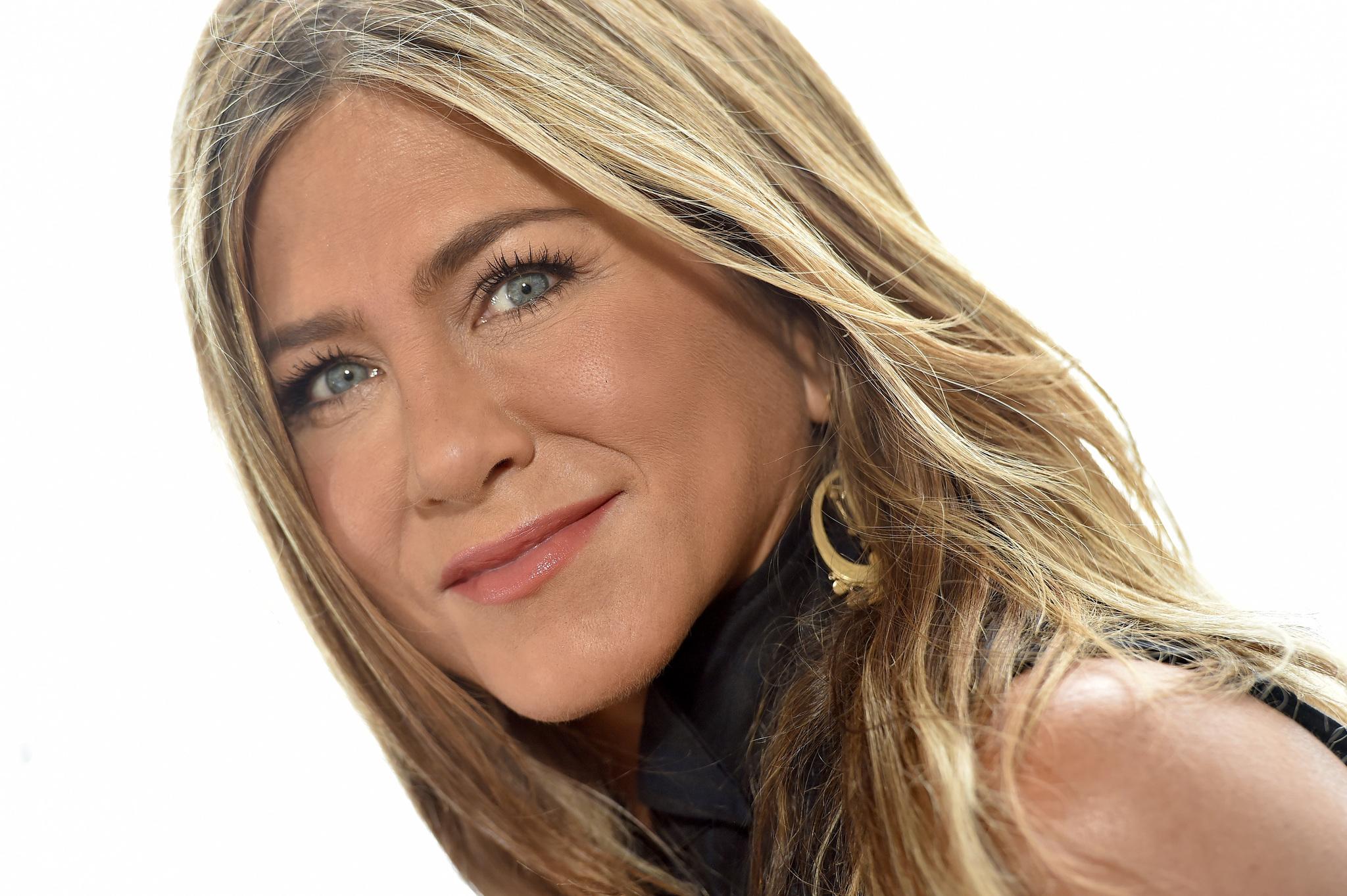 Las mechas babylights de Jennifer Aniston se adaptan a todo tipo de tonos de pelo, en especial a las bases rubias y castañas claras y aportan movimiento y dimensionalidad a la melena.