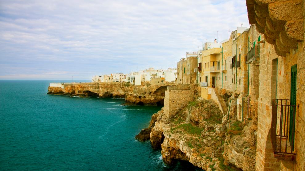 Polignano in Mare es uno de los destinos mas deseados de Puglia, en el sur de Italia, sobre el Adriático.