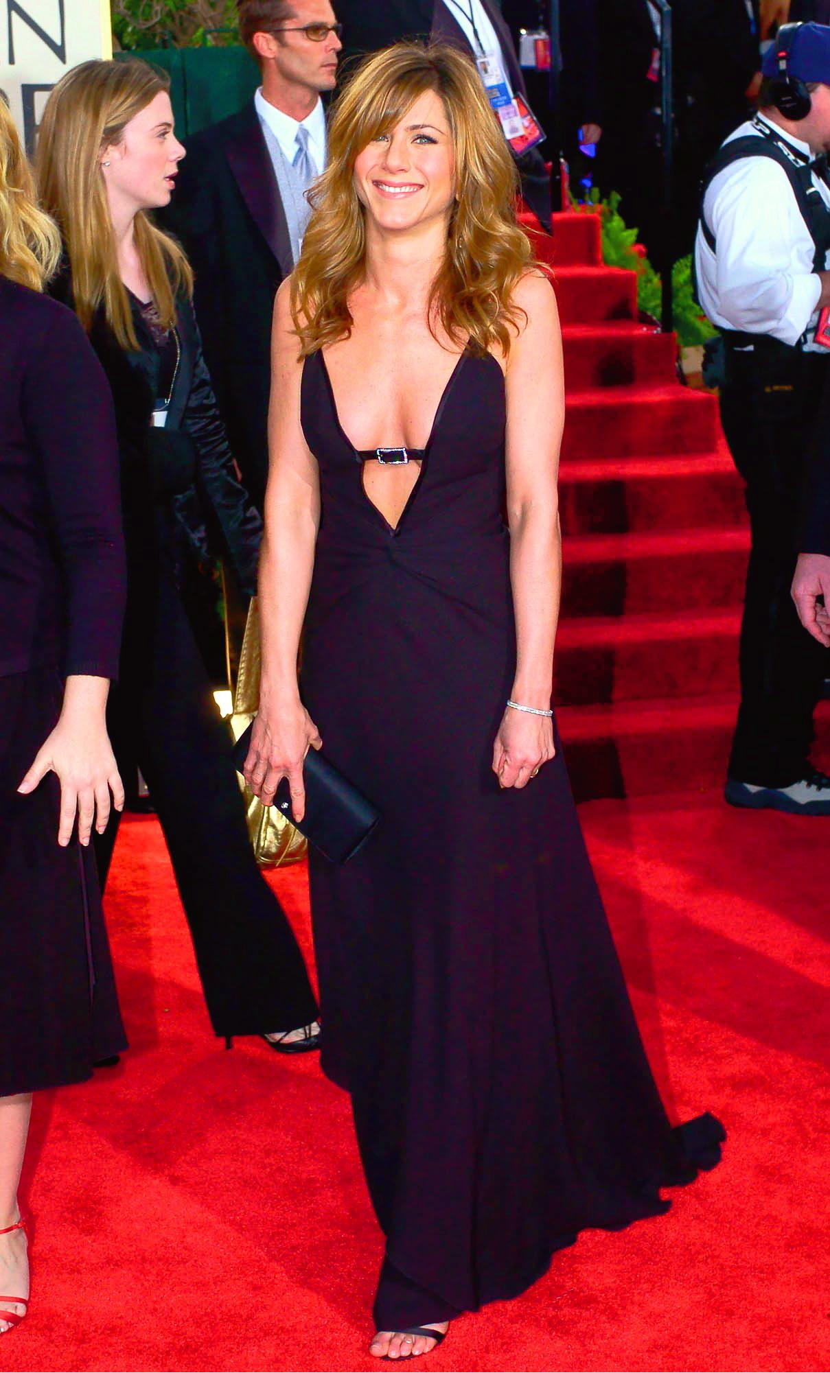 Jennifer Aniston con un vestido de Valentino vintage, espectacular